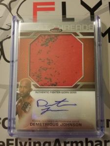 Demetrious Johnson 2013 Topps Finest Threads Fighter Worn Relic UFC autograph